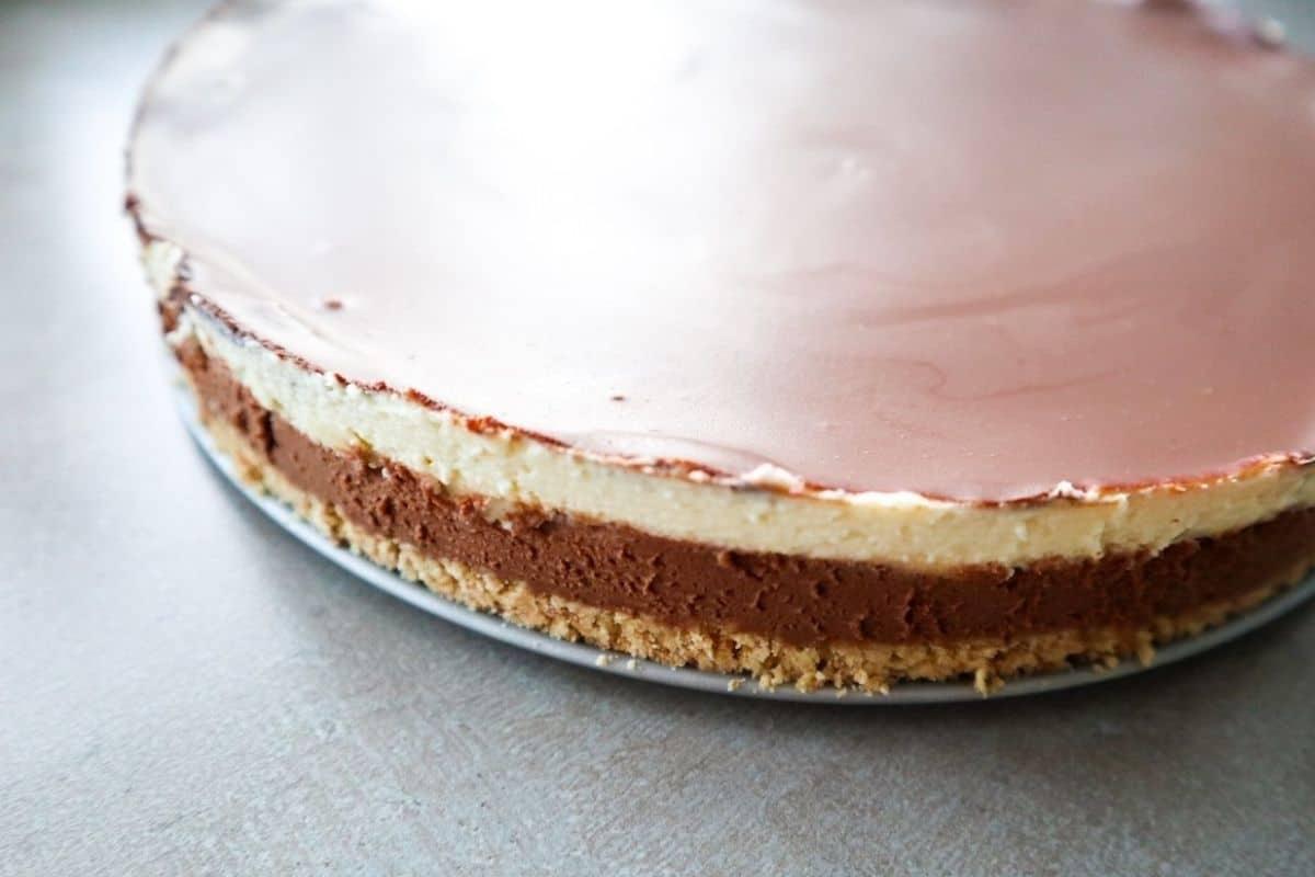 3 chocolade lagen van de chocolade cheesecake